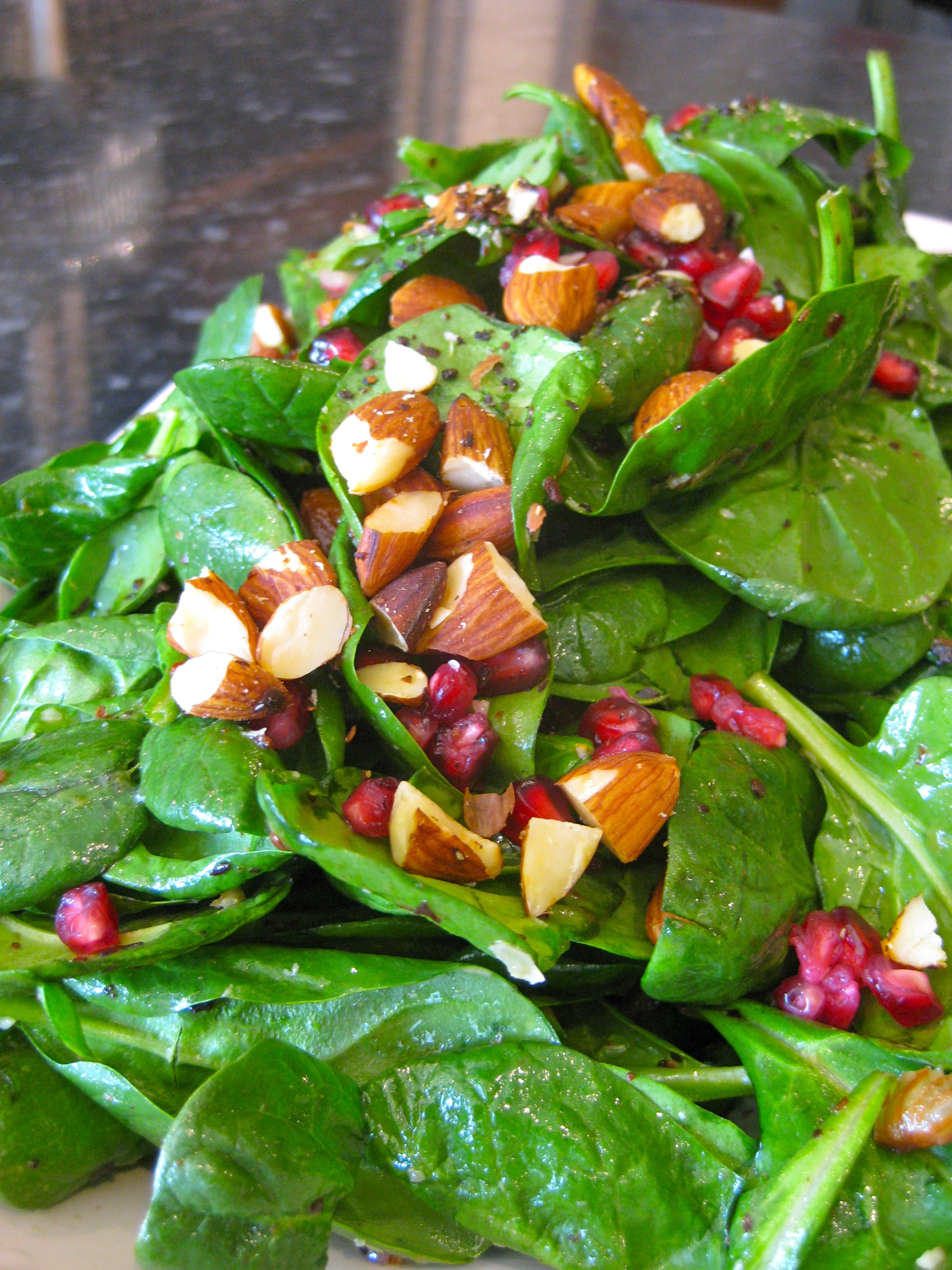Date, toasted almond and spinach salad